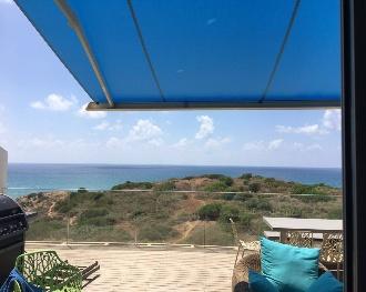 סוכך למרפסת - ברזנט כחול